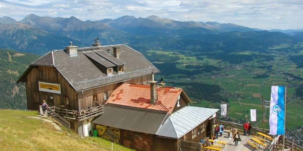 Herrlicher Panoramablick von der Speiereckhütte in den Lungau und nach Mauterndorf