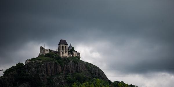 A füzéri vár renoválása előtt