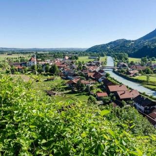 Wanderung - Eschenlohe über den Heuberg - Blick über Eschenlohe Richtung Ohlstadt