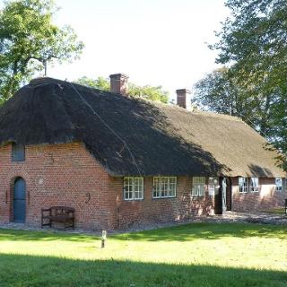 Altfriesisches Haus im Sommer