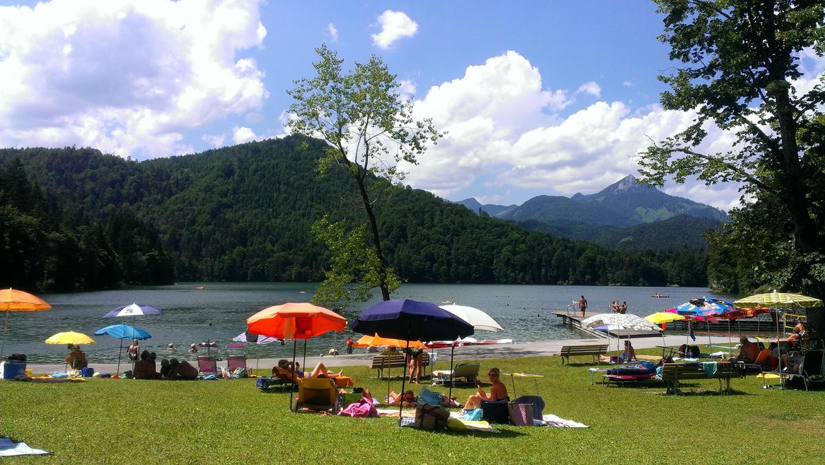 Badestrand am Hechtsee im Sommer