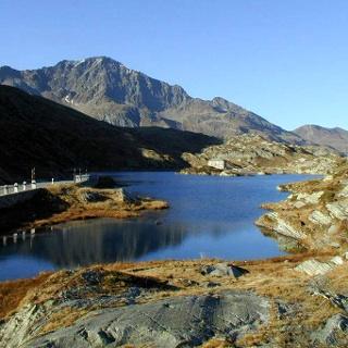 Europäische Wasserscheide am San Bernardinopass