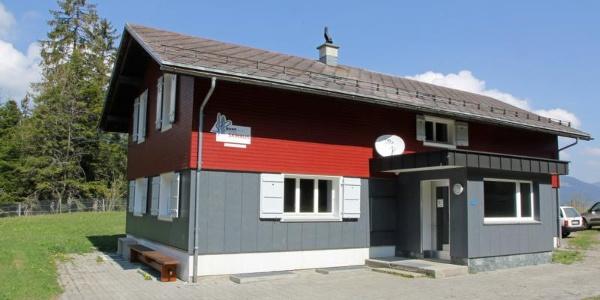Skihaus Aussenansicht Sommer
