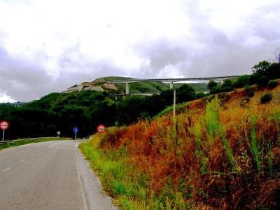 Blick von Ruitelán auf Autobahn-Viadukte