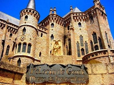 Astorga verspielter Bischofs-Palast Gaudi