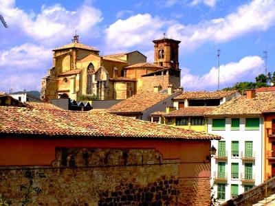 Blick auf mittelalterliches Estella