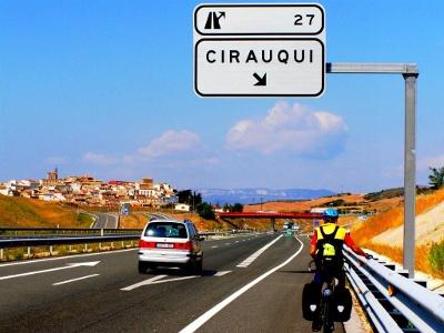verirrter Bike-Pilger bei Cirauqui