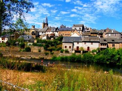 Saint-Côme-d´Olt am jungen Lot