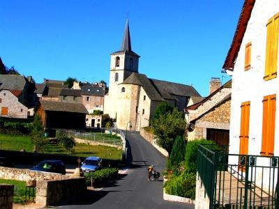 Aumont-Aubrac: Kirche Saint-Etienne