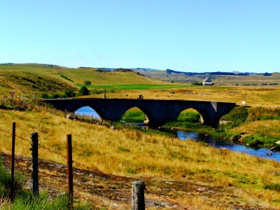 Brücke über Le Bès vor Rieutort