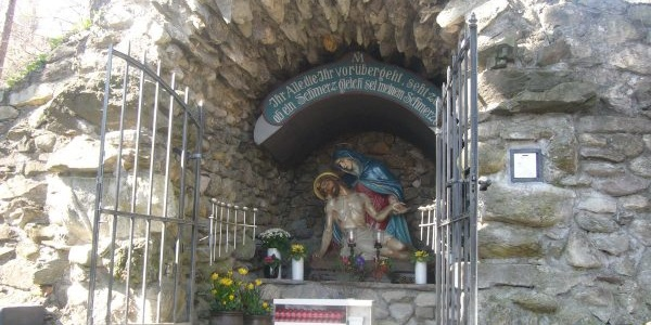 Grotte am Pfarrer Künzle Weg