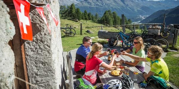 enjoy a meal at Alp Muntatsch