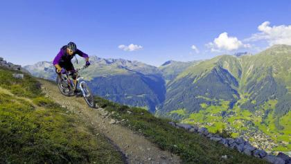 Scenic tour over the Strelapass and Durannapass