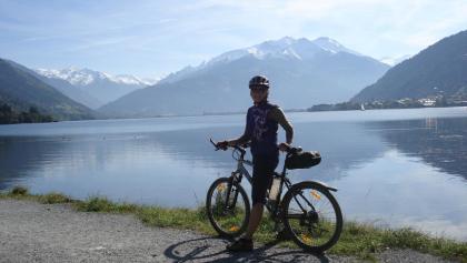 Der Zeller See und im Hintergrund das Kitzsteinhorn