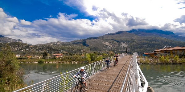 The cycle way on the bridge in Torbole
