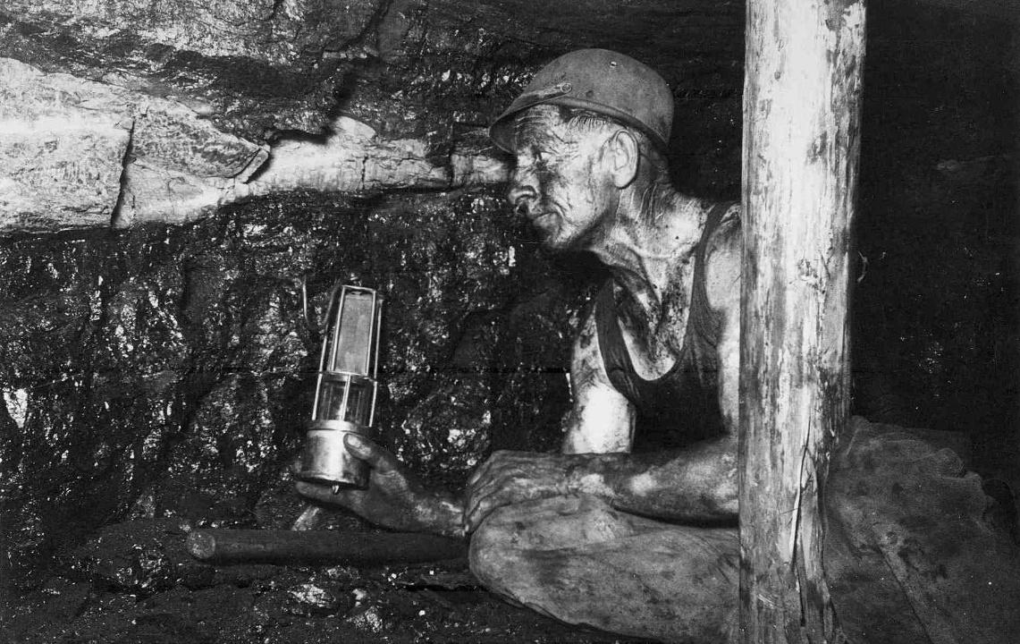 Berarbeiter beim Pechkohleabbau in Penzberg (Bergknappen-Verein Penzberg OB e.V.)