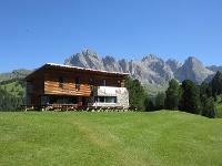 die herrlich gelegene Juac Hütte