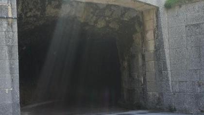 Tunnel? Eher nur ein beklemmender  Stollen