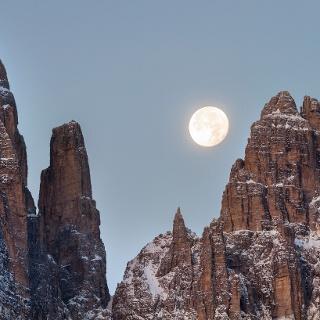 Mond auf dem Campanil Bas