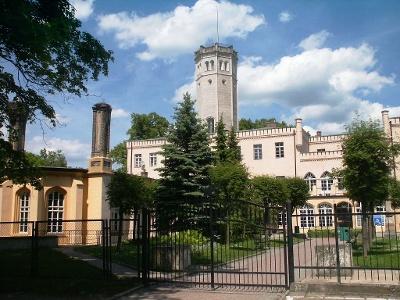 Das Schloss aus dem 19. Jh. in Mysêakowice