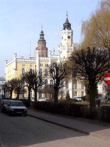 Wschowa: Altmarkt mit Rathaus