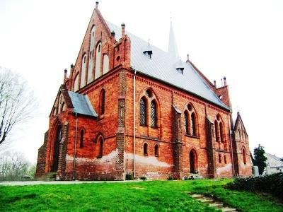 Modła: Neogotische Frauenkirche