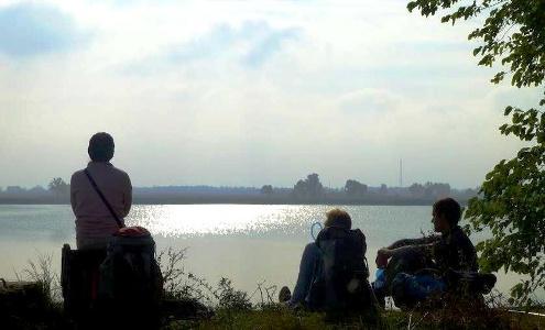 Ausserhalb Tata: Lake Woman