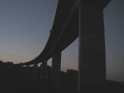 Wegkreuzung mit der Autobahn