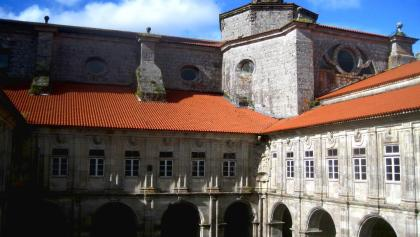 Sobrado: Pilgerquartier  am Kloster-Kreuzgang
