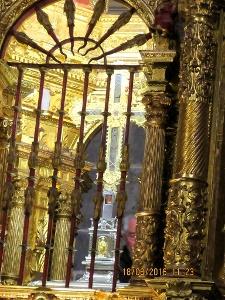 Das Kreuz mit der eingearbeiteten Kreuzreliquie