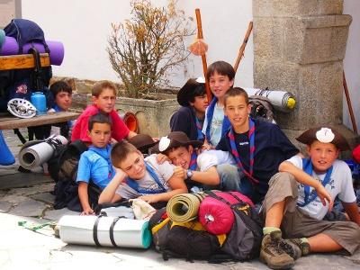 jugendliche Pilger in Portomarin