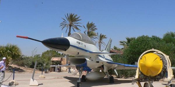 מטוס הלביא המוצג במוזיאון
