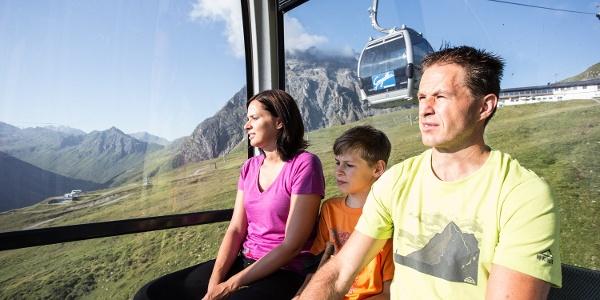 Die Anreise zum Ausgangspunkt beim Schafberg Hüsli erfolgt gemütlich mit der Gondelbahn