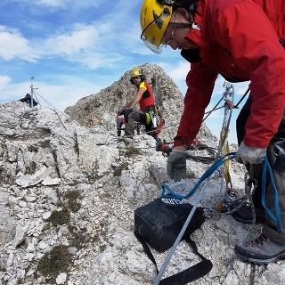 Bergführer bei den Sarnierungsarbeiten
