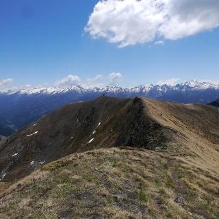 Der Monte Agnello mit den Lagoraibergen im Hintergrund