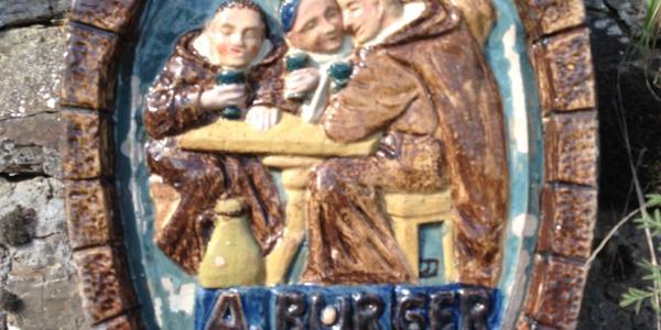 Reliefbild am stillgelegten Weinberg BURGER