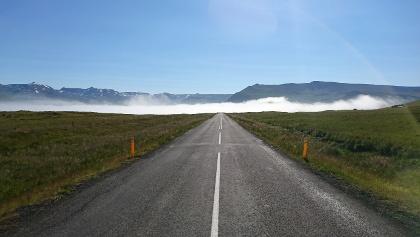 Auf Islands Landstraßen stellt sich automatisch ein Gefühl von grenzenloser Freiheit ein.