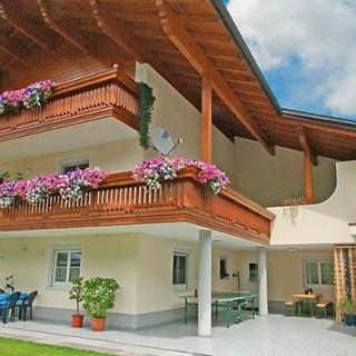 Sommerfoto Haus Tschofen