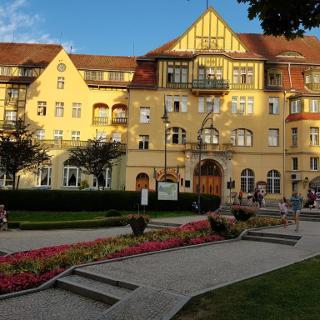 Kurgebäude mit Theater in Kudowa-Zdroj