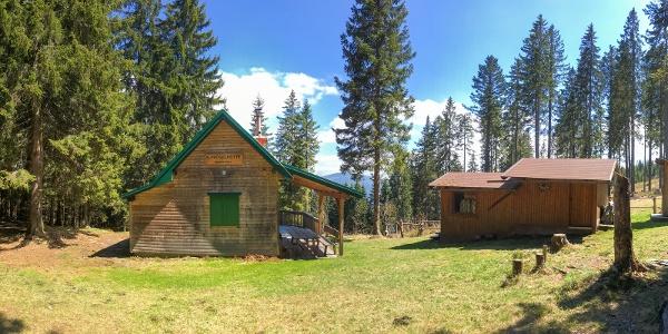 Westseite der ÖTK-Alpkogelhütte