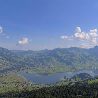 4K Lake Lauerzersee Schwyz SWITZERLAND アルプス山脈 aerial view