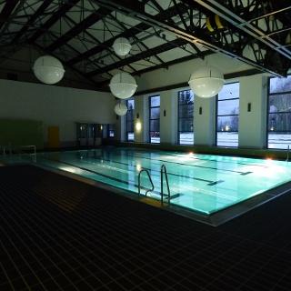 Lehrschwimmhalle