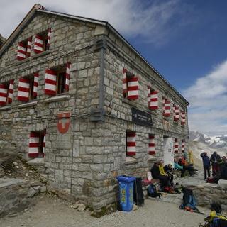 Die Rothornhütte