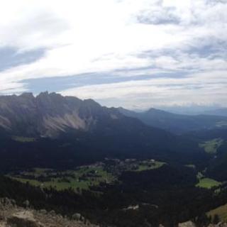 Blick vom Vajolonpass auf Karersee.
