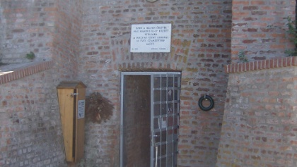A koronaőrző bunker bejárata