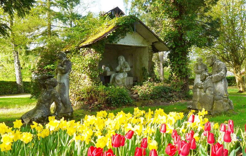 Figurengruppe Darstellung Sage Brudermannsfeld im Klosterpark, Blieskastel