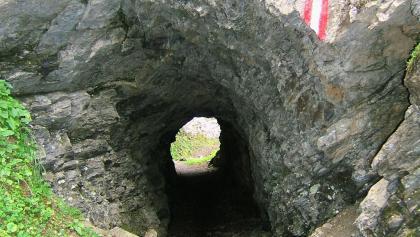 Tunnel der Rollbahn