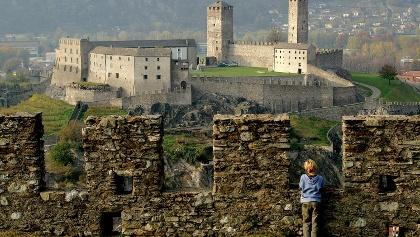 Blick von Montebello auf das Castelgrande,