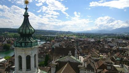 Blick von der St.-Ursen-Kathedrale über die Stadt.