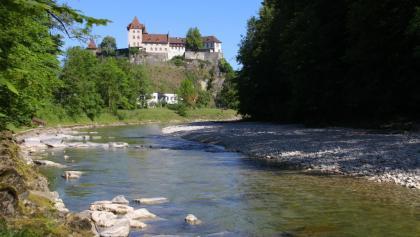 Schloss Burgdorf thront hoch über der Emme.